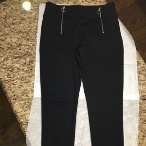 🌺 JUST ADDED 🌺 Leggings by Ann Taylor Size S